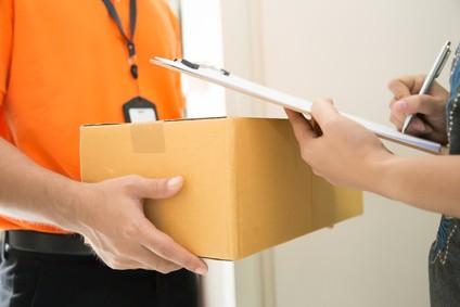 OPCIONES DE ENVÍO:  Recojo en Tienda, Envío por Olva Courier y Envío Express por Glovo.